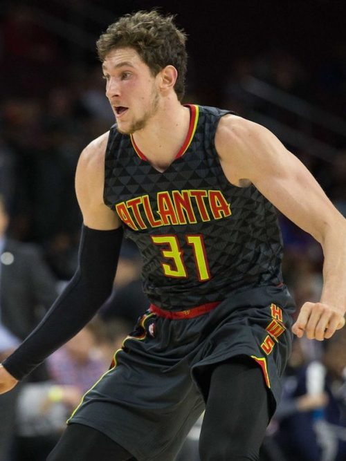 Mike Muscala shoes